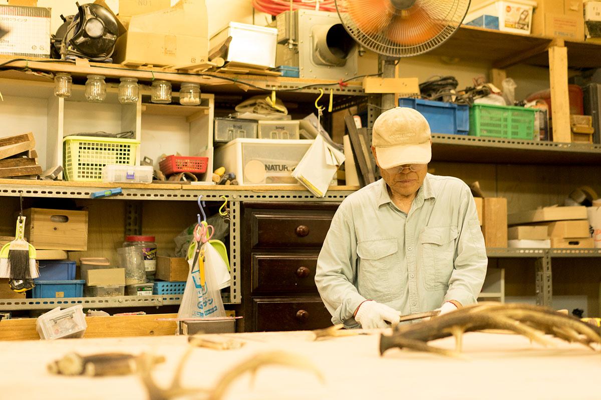 聴覚障害のある人たちが働く作業所