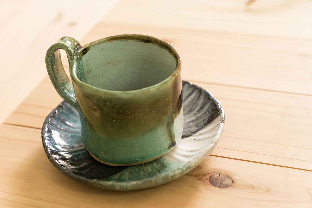 生徒が作ったコーヒーカップ