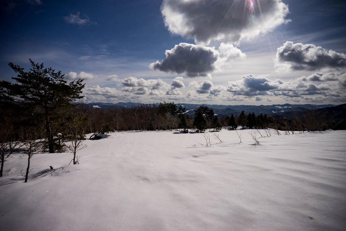 里見尾根コースの非圧雪エリア