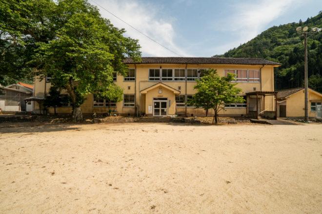 津浪小学校